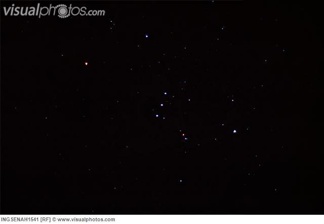 constellation_of_orion_with_betelgeuse_and_stars_against_black_night_sky_ingsenah1541.jpg