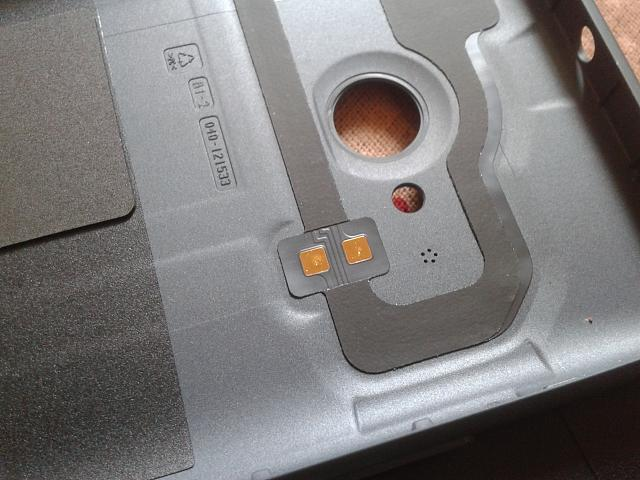 online store 54cf5 e288d Curious: What are these contacts in back panel of 730? - Windows ...