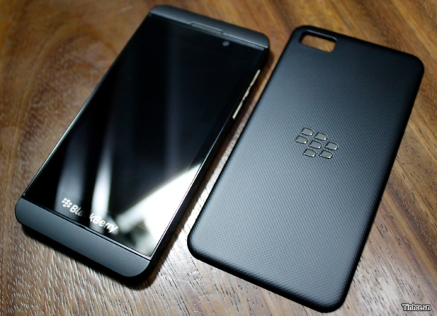 blackberry-10-l-series-dec12.jpg