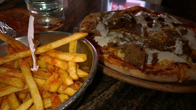 chilli-fries-kebab-pizza.jpg