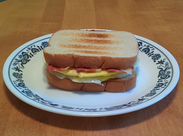 breakfastsandwich.jpg