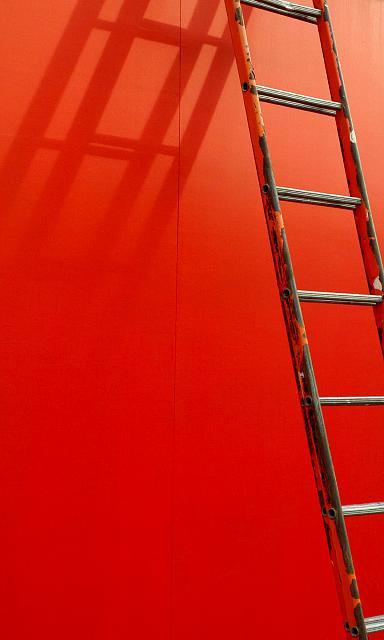 1 Microsoftgo To Www Bing Com: WP8.1 Dp Wallpaper Red With Ladder